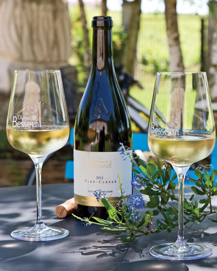 Enjoy a glass of wine in Burgundy!