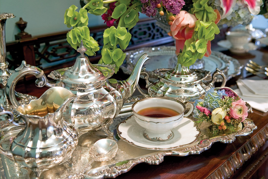 special tea issue from victoria magazine. Black Bedroom Furniture Sets. Home Design Ideas