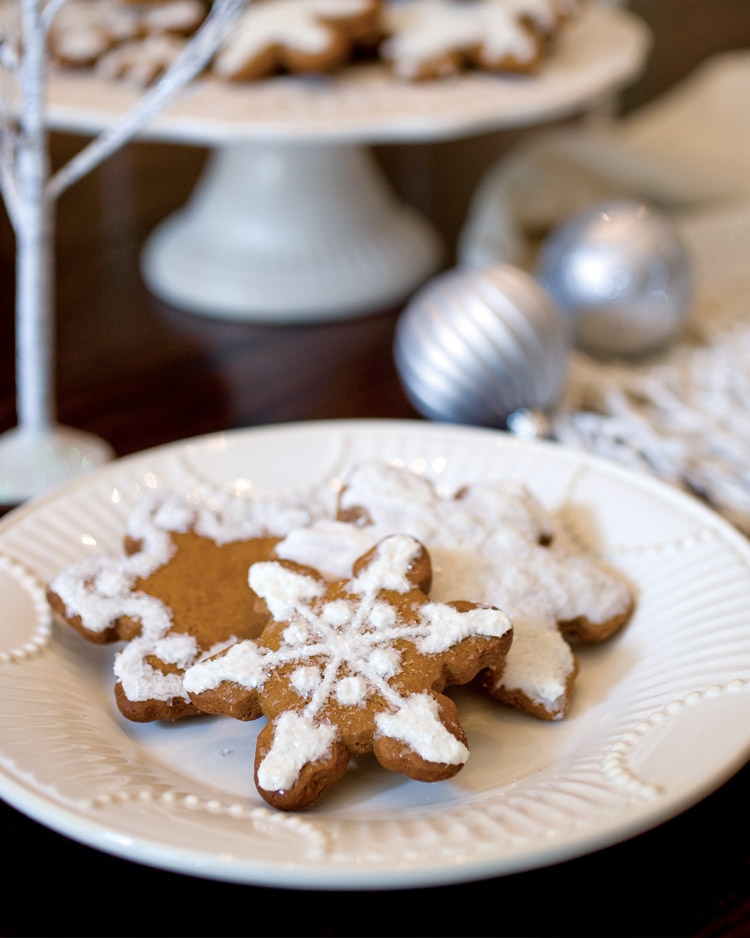 Five Favorite Christmas Cookies - Victoria Magazine