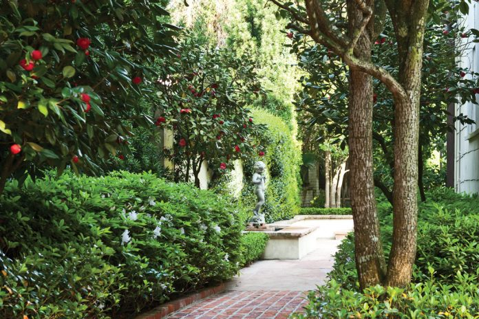 The Gardens of the Crescent City - Victoria Magazine
