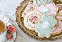 Marie Antoinette Cookies: A How-To from SweetAmbs