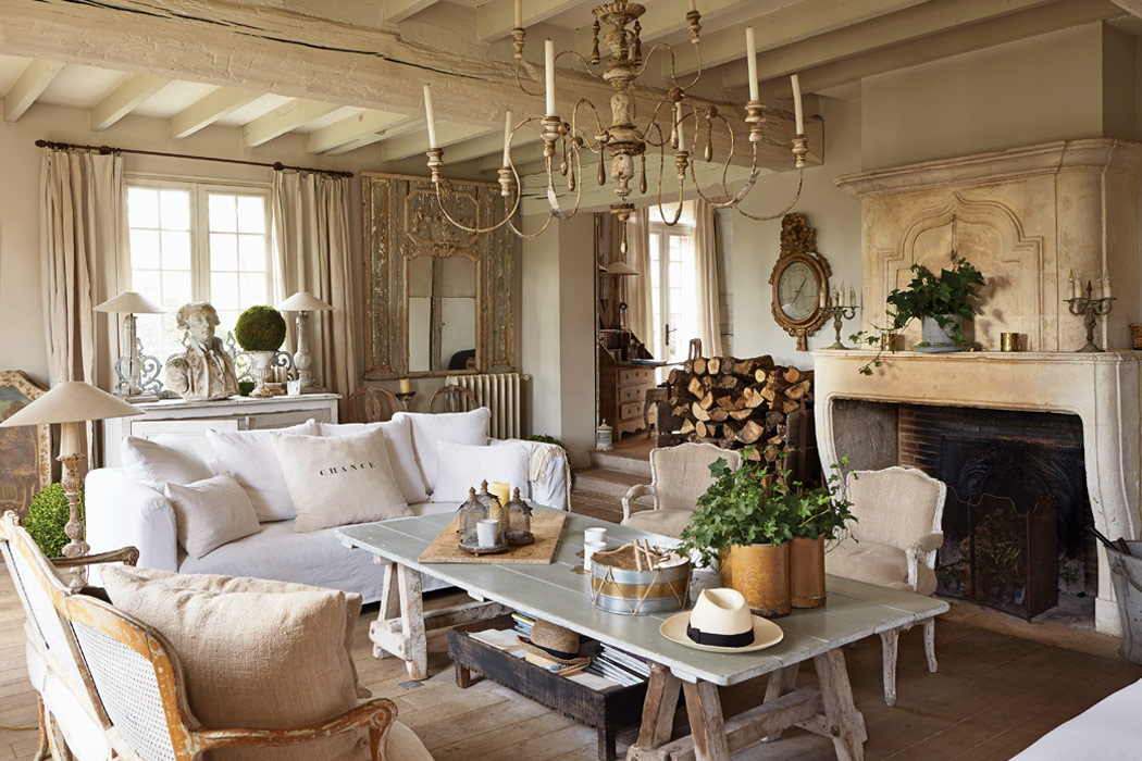 A refined french interior victoria magazine for Decoration maison style campagne chic