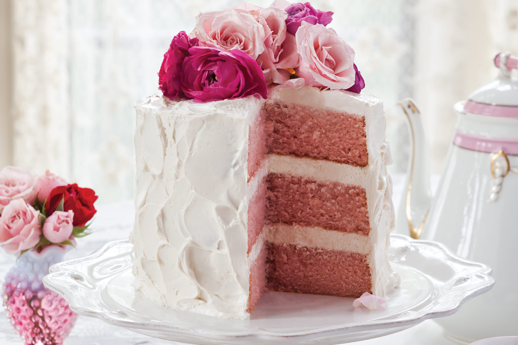 Cake Decorating With Swiss Buttercream : Pink Velvet Cake with Vanilla Swiss Meringue - Victoria ...