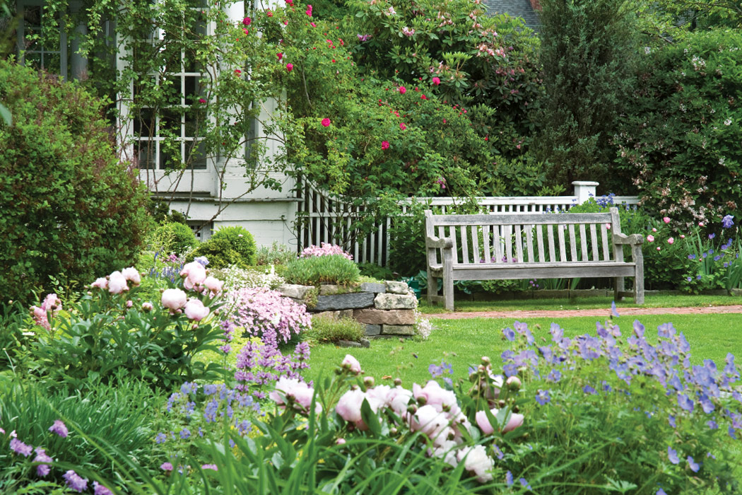 Victoria Classics' Flowers and Gardens